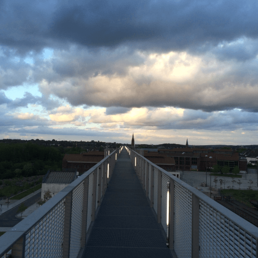 Skywalk-Spaziergang auf Phoenix West